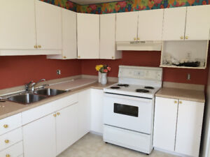 Private Beautiful two bedroom apartment min. Fr. All amenities