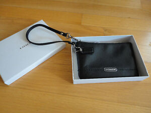 Coach limited edition black leather wristlet purse New in box London Ontario image 2