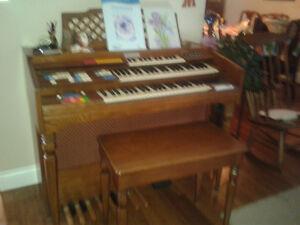 wurlitzer funmaker special organ with bench  $300 OBO
