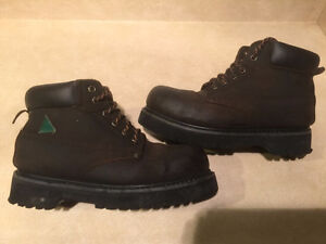 Men's Altra Industrial Steel Toe Work Boots Size 8