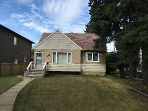 Allendale 3 Bedrooms close to Whyte Ave, U of A,& downtown