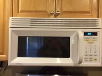 GOLD STAR OVER THE RANGE MICROWAVE, CLEAN, IN GREAT CONDITION!!
