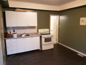 Orillia 1 bedroom apartment with small den