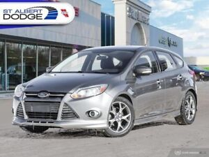 2014 Ford Focus SE  5 SPEED| NAVIGATION| HEATED CLOTH SEATS