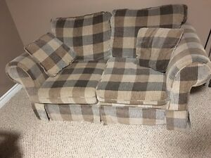 Love Seat Couch Windsor Region Ontario image 1