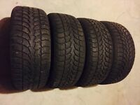 225/50/17 Winterclaw extreme grip 80% tread left