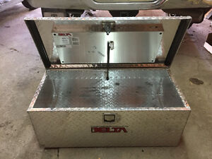 Delta Stainless Steel Diamond Plated Truck Saddle Box