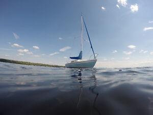 MacGregor 22 Sailboat Voilier- Swing Keel