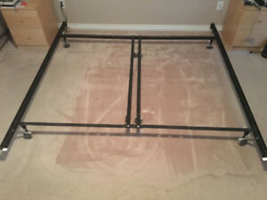 King/Queen Metal Bed frame - great condition