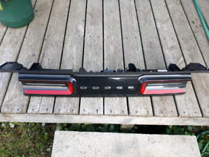 2017 Dodge Challenger trunk lid Tail light