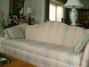 LOVELY CUSTOM COUCH IS A STEAL!