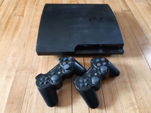 PS3 Slim 160GB - 2 Controllers, 6 games included