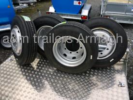 Low loader wheels tyres step frame silage trailer