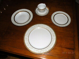 Royal Heritage Prestige place settings - 4