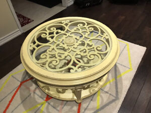 Antique white round coffee table like new condition solid wood