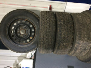 Snow Tires ( 4 ) Avalanche 225/60R16 on steel rims