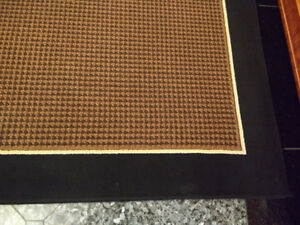 Front area rug size 5ft x 7ft synthetic wool