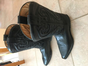 Vintage women's cowboy boots made in ITALY size 38
