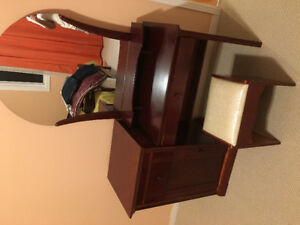 Selling Beautiful Wooden Dressing Table