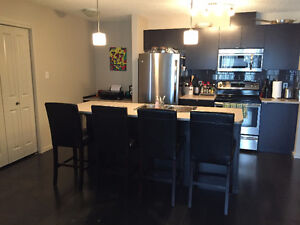 2 Bed, 2 Bath, 2 PARKING spots in Windermere - AVAILABLE NOW