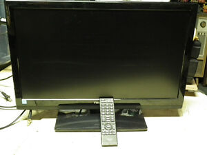 TOSHIBA 24 INCH FLAT SCREEN TV  AS NEW  WITH REMOTE . Windsor Region Ontario image 10
