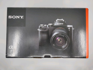 Sony Alpha a7 w/ 28-70mm F3.5-5.6 FE Lens Mint Condition
