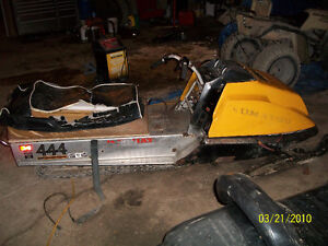 1979 444cc skidoo everest for $1000