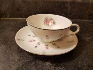 HARMONY HOUSE 3534 FINE CHINA TEACUP & SAUCER EXCELLENT COND.
