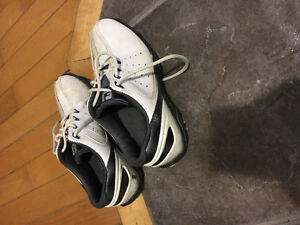 Golf shoes size 2