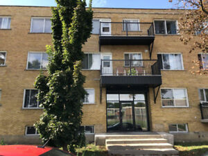 4 1/2 Clean apartment in Cote St-Luc  Lease Transfer