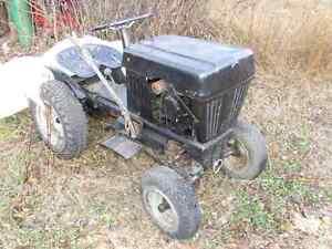 Ramasse Tracteur a jardin pelouse ferme