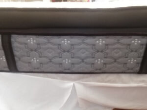 Mattress queen size, posturepedic signature plus euro pillow top
