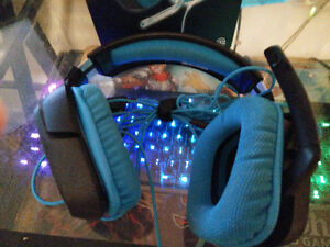 Less then a Year Old Logitech 430 For Sale! West Island Greater Montréal image 2