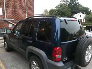 BLUE JEEP LIBERTY 4X4 FOR SALE $1850