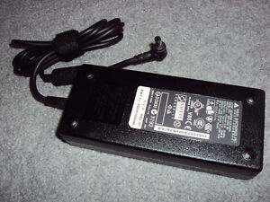 Asus Original AC Adapter 19V 7.11A 135W (also fit other brand)