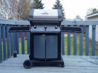 Natural Gas BBQ - 3 Burners