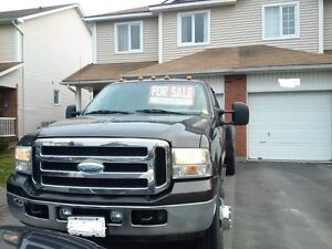 2006 Ford F-350 Lariat Crew Cab Dually Pickup Truck