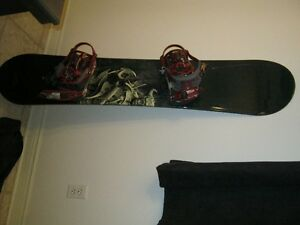 5150 snowboard with accessories