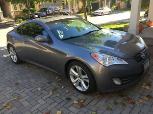 2010 Hyundai Genesis Coupe Premium Package Coupe (2 door)
