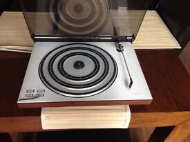 Turntable and amp