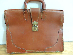 Vintage Leather (Fold-Flatable) Lawyer's Briefcase. Fits Laptop