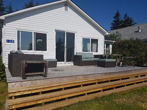 All incl 3 bedroom cottage $1150 Oct1st