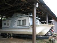 Fixer upper houseboat