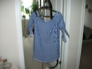 SZ. MED. SUPER CUTE DRESS (NOT SEE THROUGH) TIES AT SLEEVES (OFF