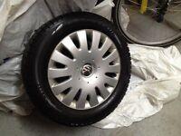 215/55R16 pneus roues enjoliveurs hiver