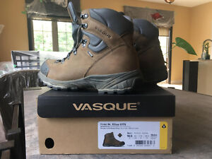 Men's Hiking Boots - Size 10.5 Mint Condition