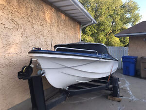 Boat 15 ft for sale