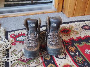Gore-tex north face hiking boots (Women's sz 7.5)