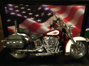 HARLEY DAVIDSON HERITAGE SOFTAIL CLASSIC 1:10 DIECAST MOTORCYCLE