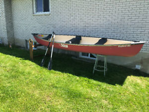 15 ft Pelican Canoe